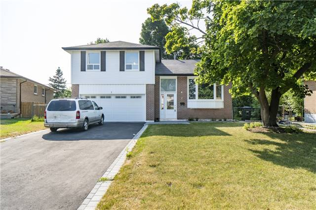For Sale: 7 Dunn Place, Brampton, ON | 4 Bed, 4 Bath House for $875,000. See 20 photos!