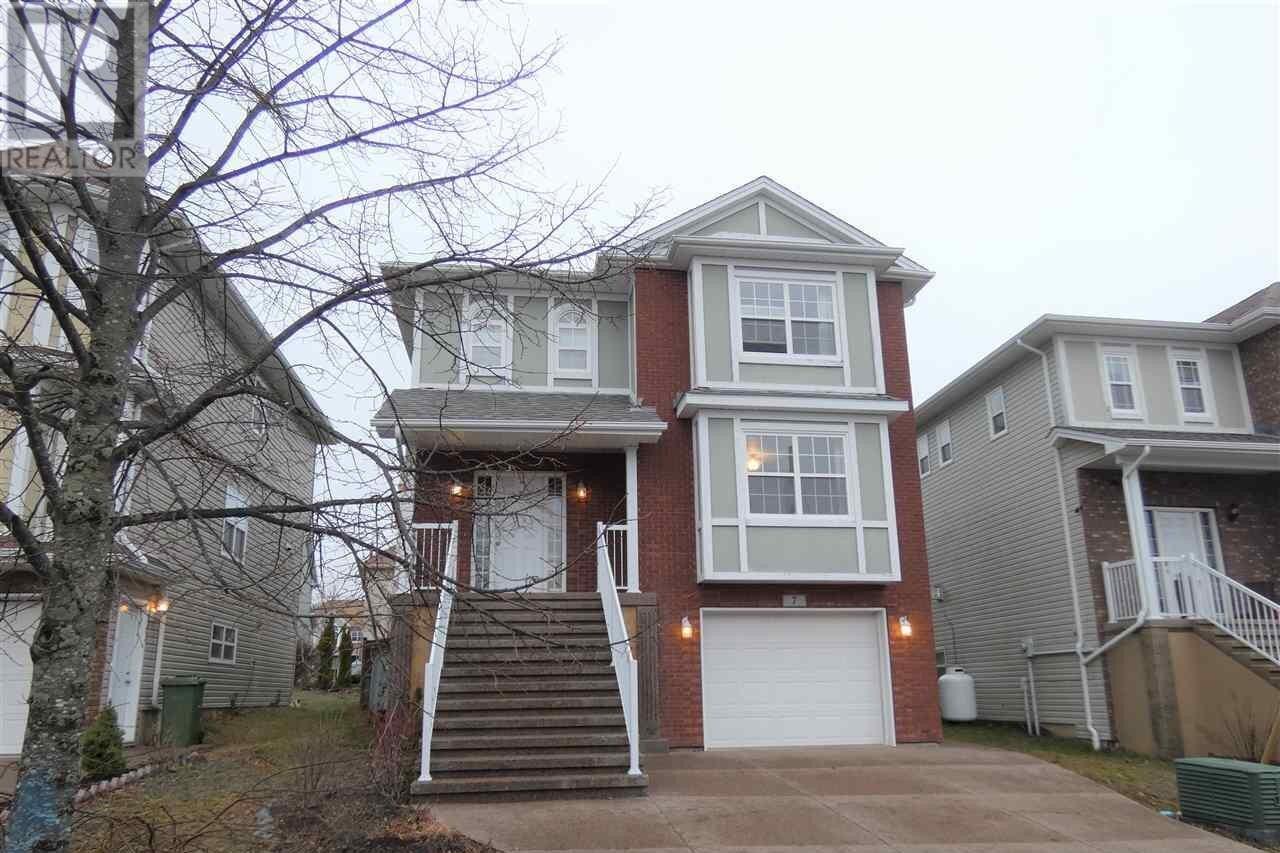 House for sale at 7 Fathom Ct Halifax Nova Scotia - MLS: 202024542