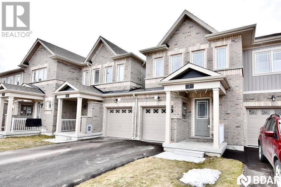 Townhouse for sale at 7 Frank's Wy Barrie Ontario - MLS: 30799544