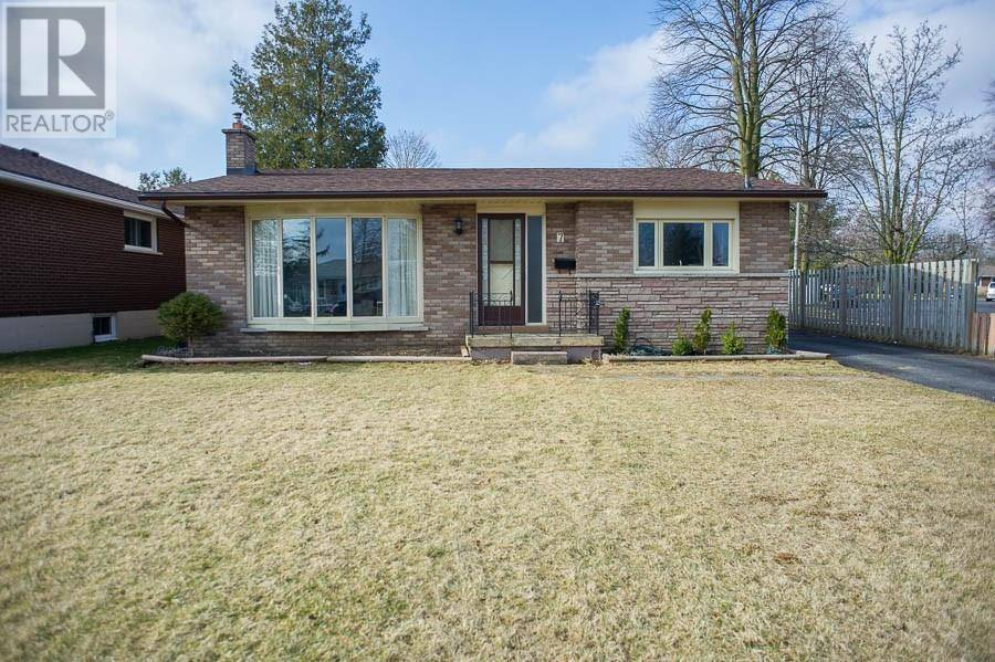House for sale at 7 Gillrie Ct Brantford Ontario - MLS: 30799735