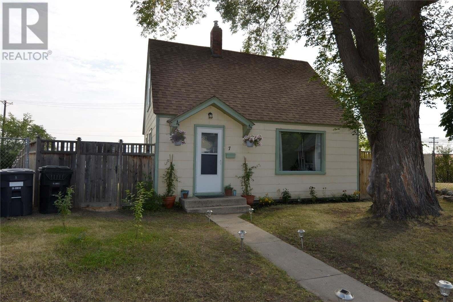 House for sale at 7 Grey Pl Saskatoon Saskatchewan - MLS: SK823610