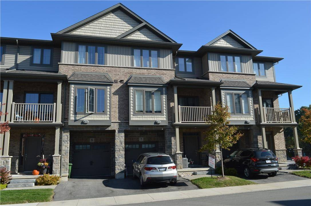 Townhouse for sale at 7 Lakefront Dr Stoney Creek Ontario - MLS: H4061189