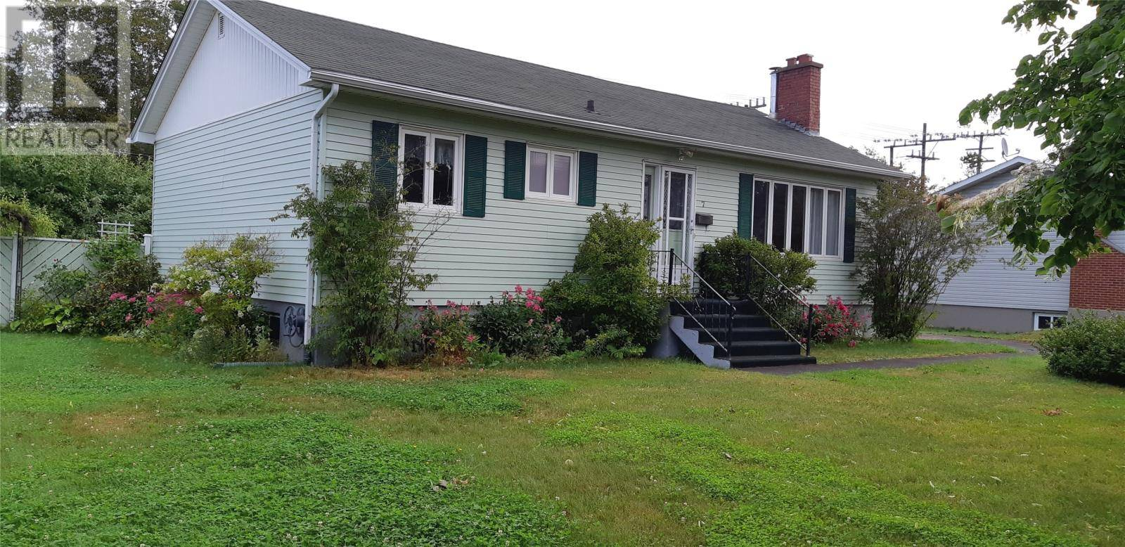 House for sale at 7 Lind Ave Grand Falls Windsor Newfoundland - MLS: 1196671