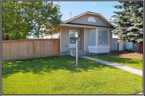 House for sale at 7 Martinwood Ct Northeast Calgary Alberta - MLS: C4261014