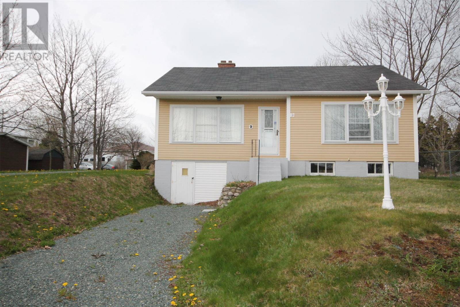 House for sale at 7 Mercers Rd Conception Bay South Newfoundland - MLS: 1212544