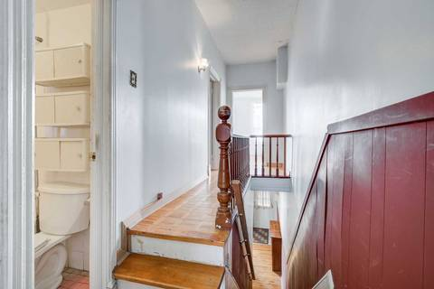 Townhouse for sale at 7 Northern Pl Toronto Ontario - MLS: C4716387