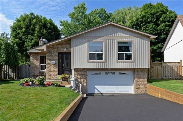 Sold: 7 Owen Court, Whitby, ON