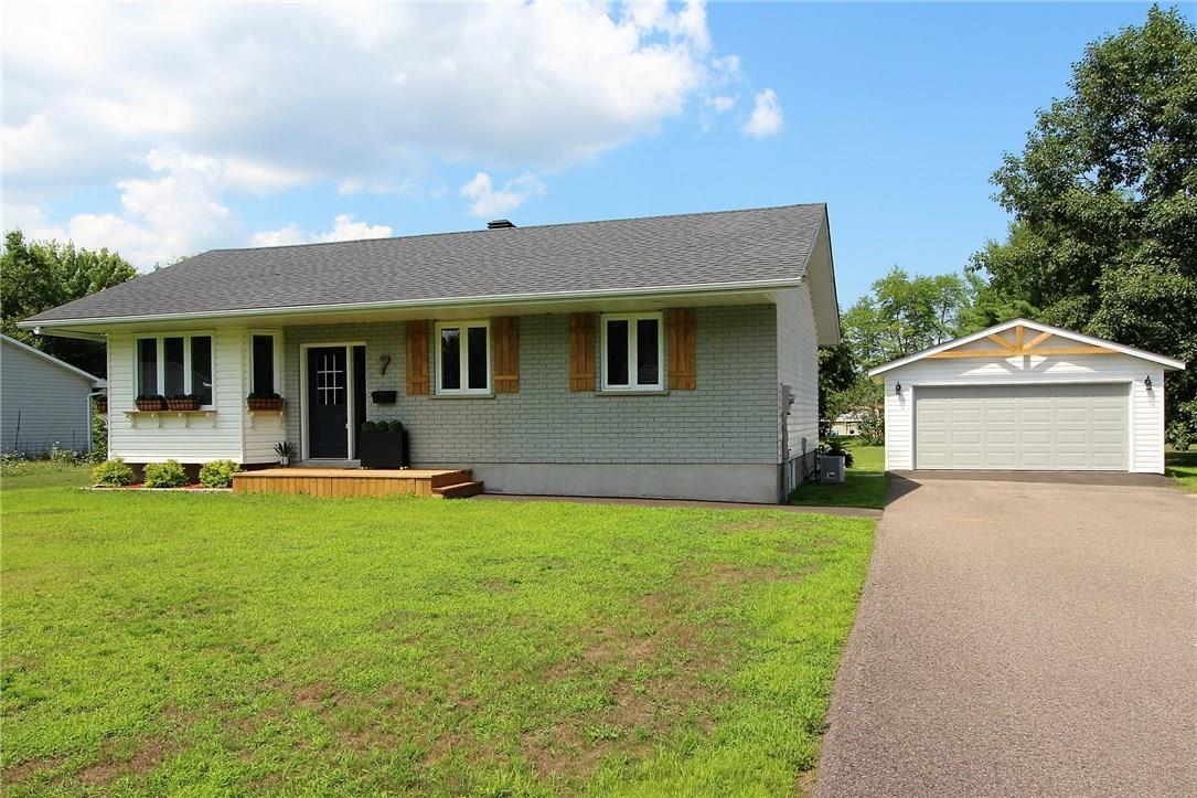 Removed: 7 Peppertree Drive, Petawawa, ON - Removed on 2018-07-27 07:21:09