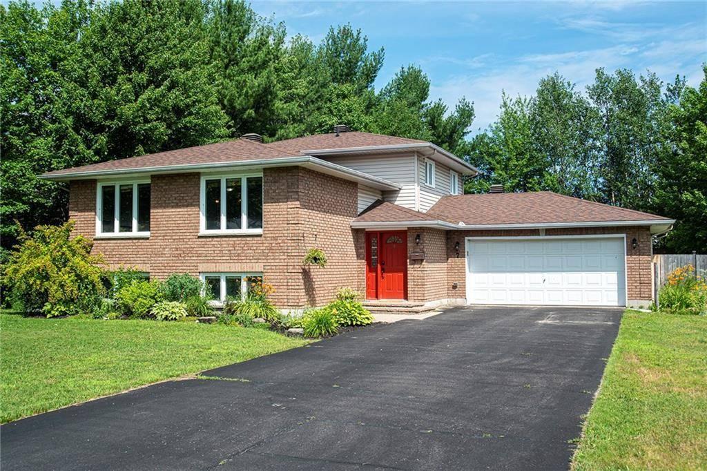 House for sale at 7 Ravenwood Cres Petawawa Ontario - MLS: 1158188