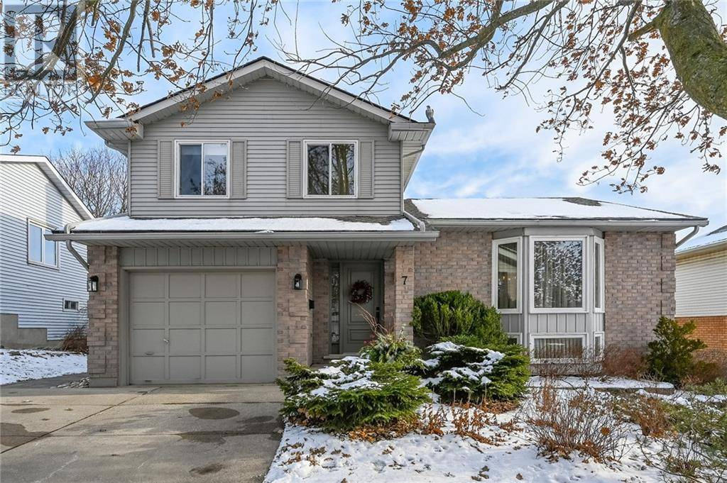 House for sale at 7 Sunrise Ct Guelph Ontario - MLS: 30783665