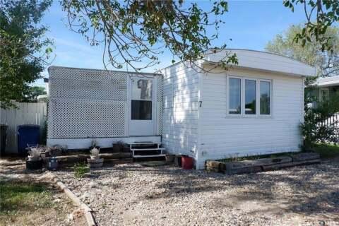 Home for sale at 7 Sunrise Estates Assiniboia Saskatchewan - MLS: SK814159