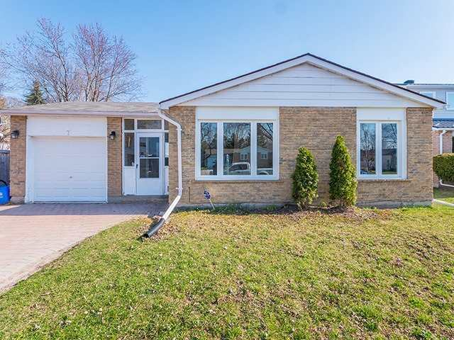 For Sale: 7 Thomas Street, New Tecumseth, ON | 3 Bed, 2 Bath House for $519,900. See 19 photos!