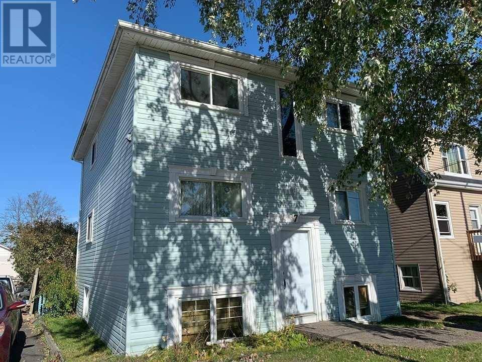 Townhouse for sale at 7 Wallace St Dartmouth Nova Scotia - MLS: 201926515