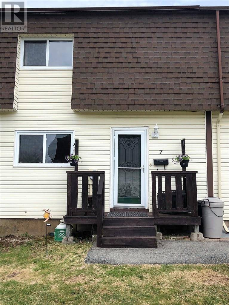 House for sale at 7 Westvale Pk Saint John New Brunswick - MLS: NB023163