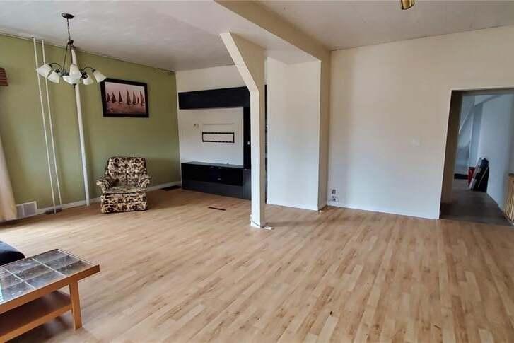 House for sale at 70 4th Ave SE Swift Current Saskatchewan - MLS: SK805745