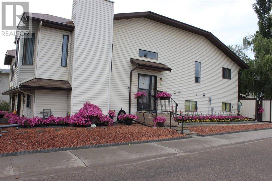 Townhouse for sale at 70 Dunlop St Red Deer Alberta - MLS: ca0171703