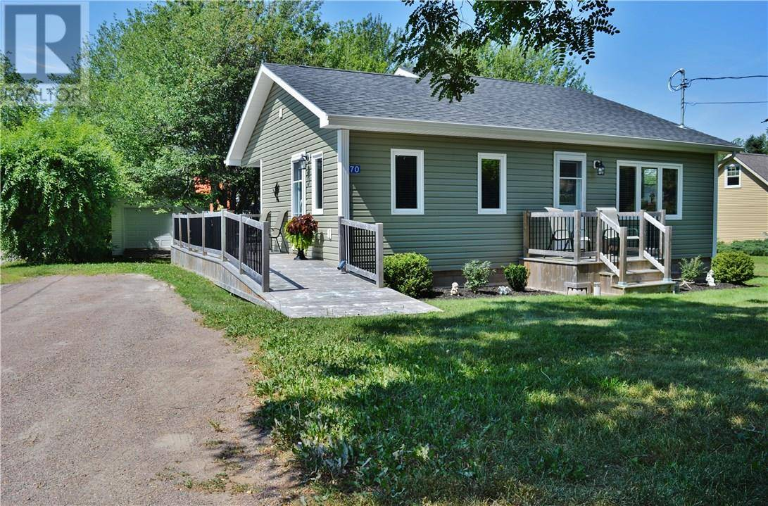 House for sale at 70 Gould Beach Rd Pointe Du Chene New Brunswick - MLS: M118885