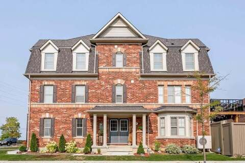 Townhouse for sale at 70 Hogan Manor Dr Brampton Ontario - MLS: 40020849