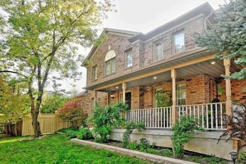 Townhouse for sale at 70 Luxton Ave Aurora Ontario - MLS: N4929318