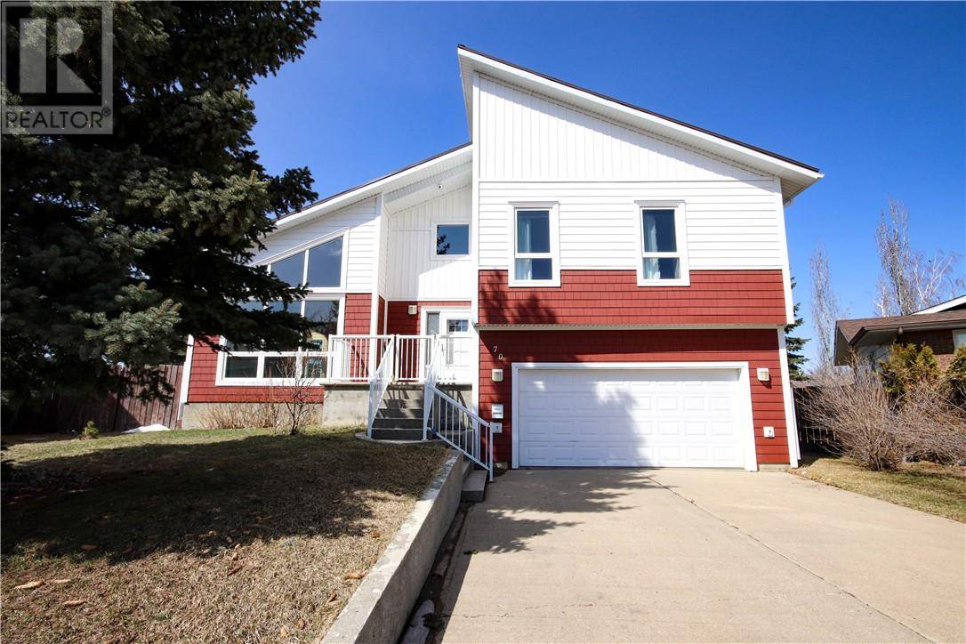 House for sale at 70 Oxford Rd W Lethbridge Alberta - MLS: ld0184115