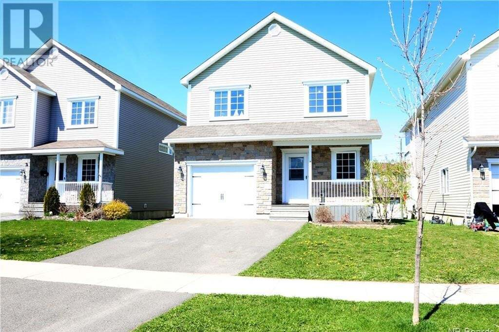 House for sale at 70 Ridgeline Cres Fredericton New Brunswick - MLS: NB043644