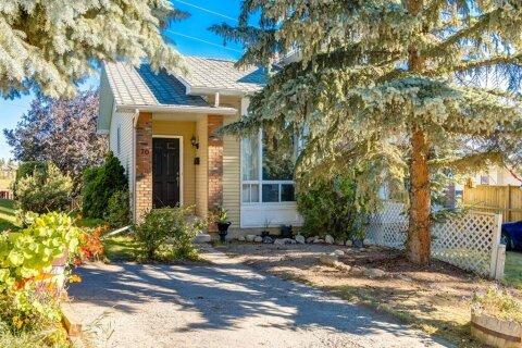 Townhouse for sale at 70 Stradwick Ri SW Calgary Alberta - MLS: A1033273