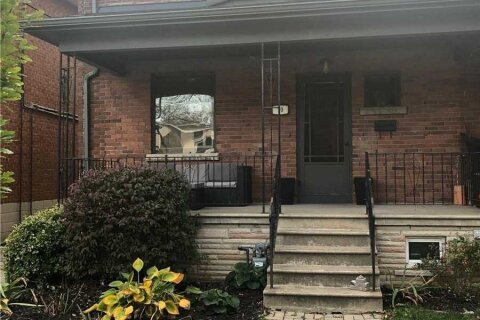 Townhouse for rent at 70 Wheatfield Rd Toronto Ontario - MLS: W4968889