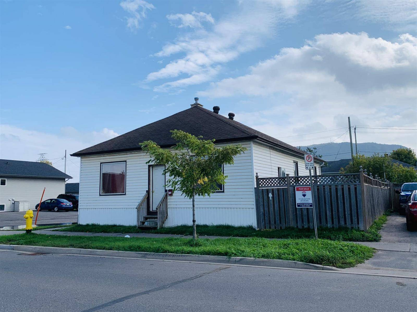 House for sale at 700 Frederica St W Thunder Bay Ontario - MLS: TB193148