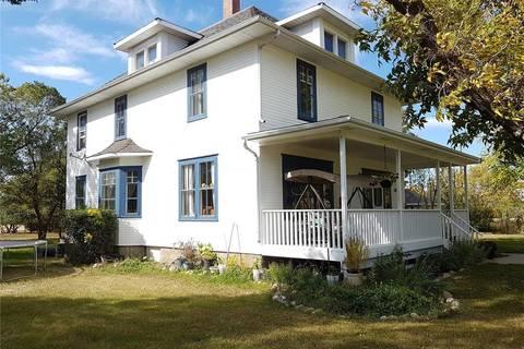 House for sale at 700 Hall St Outlook Saskatchewan - MLS: SK805028