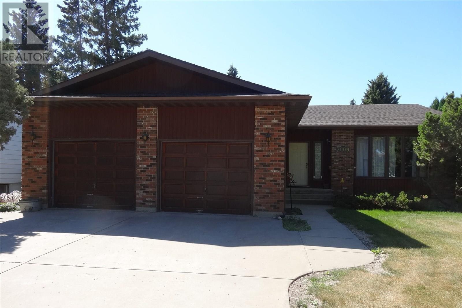 House for sale at 7009 5th St Rosthern Saskatchewan - MLS: SK821042