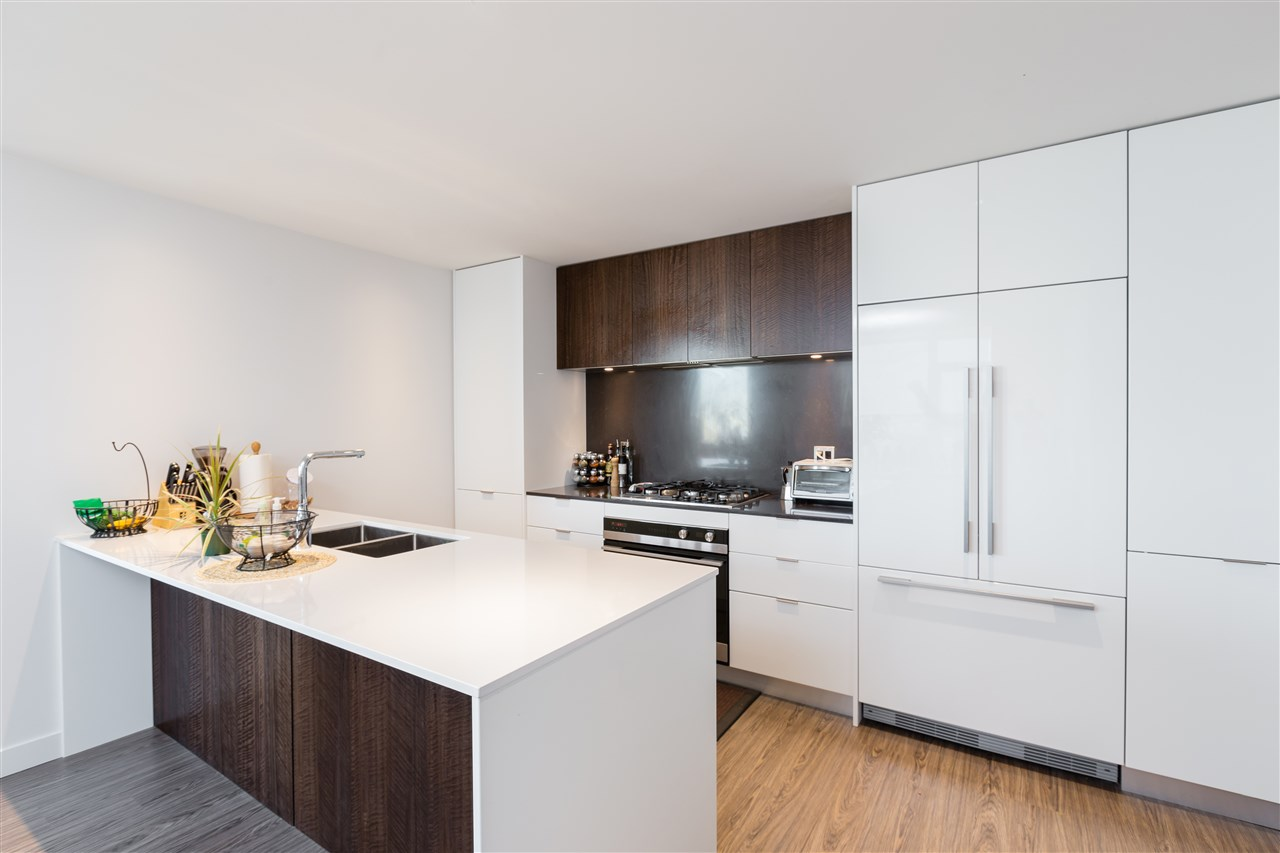 Buliding: 209 East 7th Avenue, Vancouver, BC