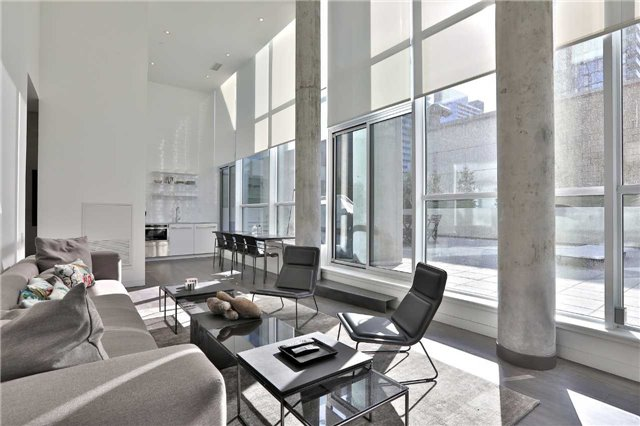 Sold: 701 - 290 Adelaide Street, Toronto, ON