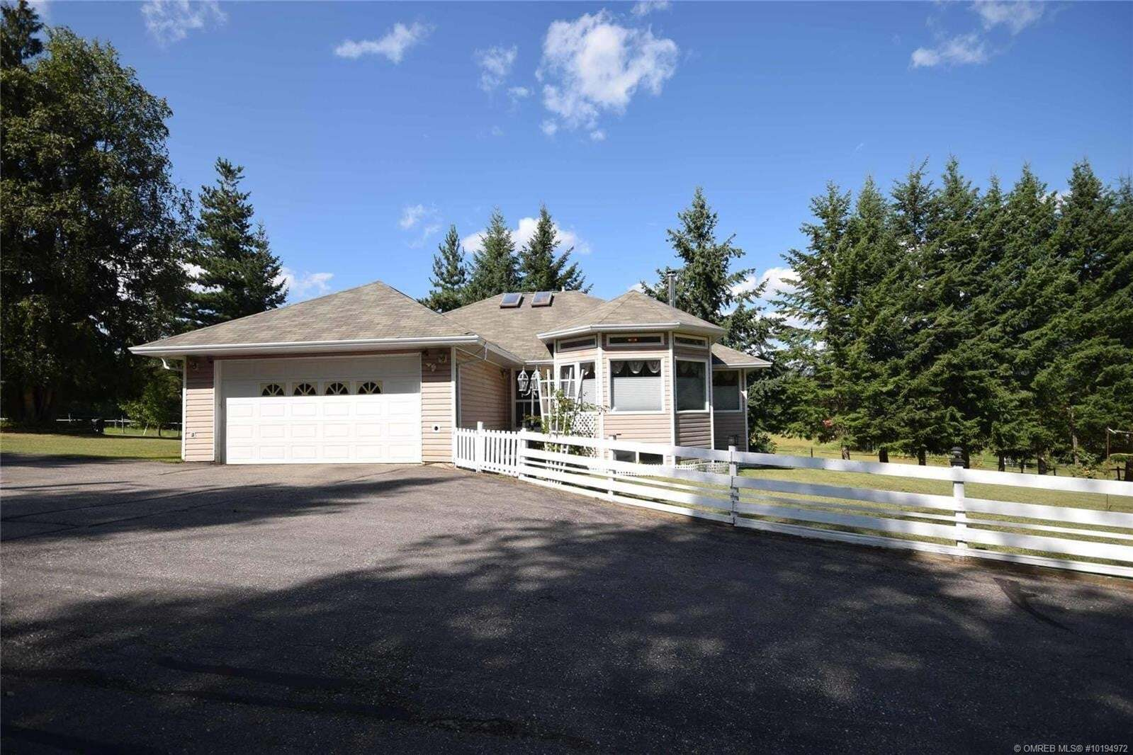 House for sale at 701 97 B Hy Salmon Arm British Columbia - MLS: 10194972
