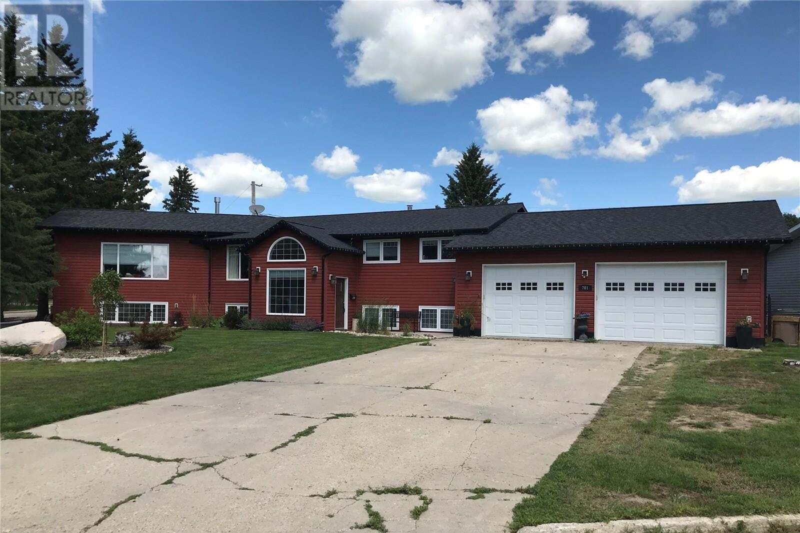 House for sale at 701 Portage Ave Wadena Saskatchewan - MLS: SK818893