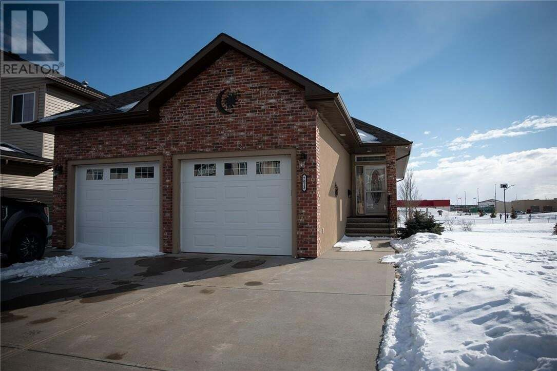 House for sale at 7013 49a Ave Camrose Alberta - MLS: ca0190343