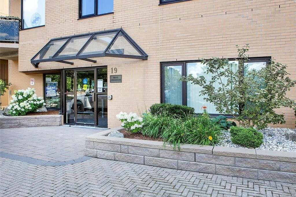 Condo for sale at 19 King St Unit 702 London Ontario - MLS: 278215