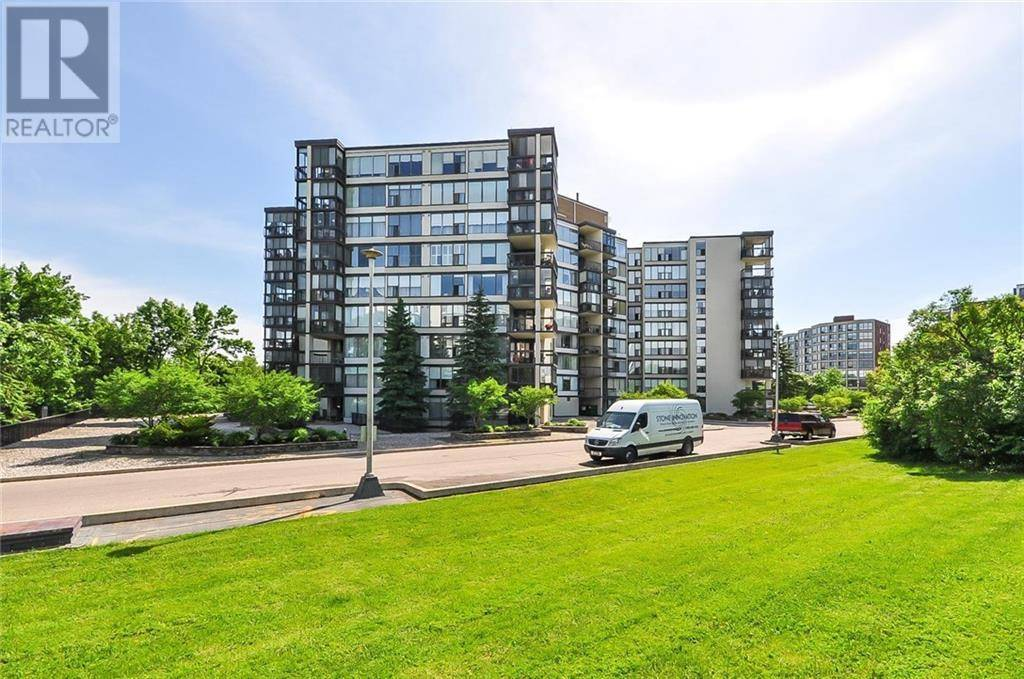 Condo for sale at 23 Woodlawn Rd Unit 702 Guelph Ontario - MLS: 30765575