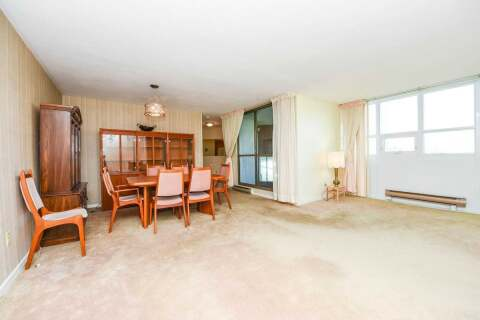 Condo for sale at 2323 Confederation Pkwy Unit 702 Mississauga Ontario - MLS: W4921664