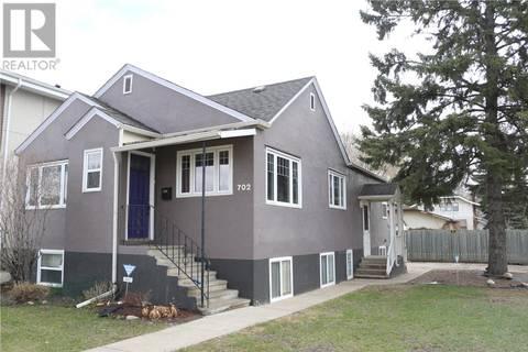 House for sale at 702 3rd Ave N Saskatoon Saskatchewan - MLS: SK770472