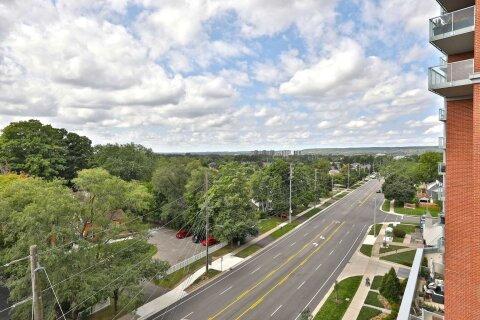 Condo for sale at 551 Maple Ave Unit 702 Burlington Ontario - MLS: W4975805