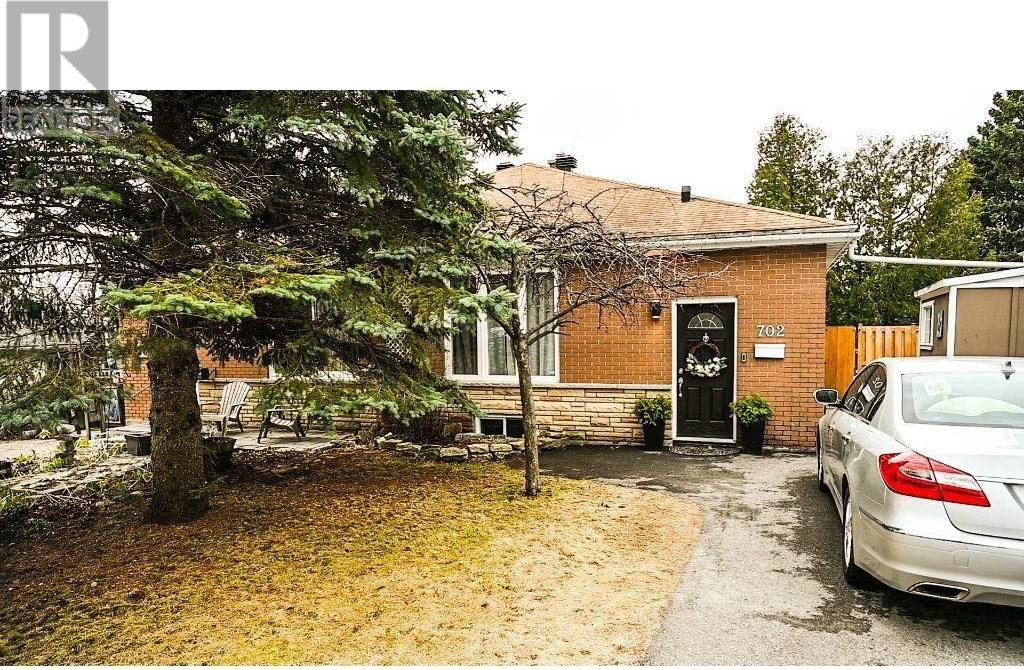 House for sale at 702 Crystal St Ottawa Ontario - MLS: 1188003