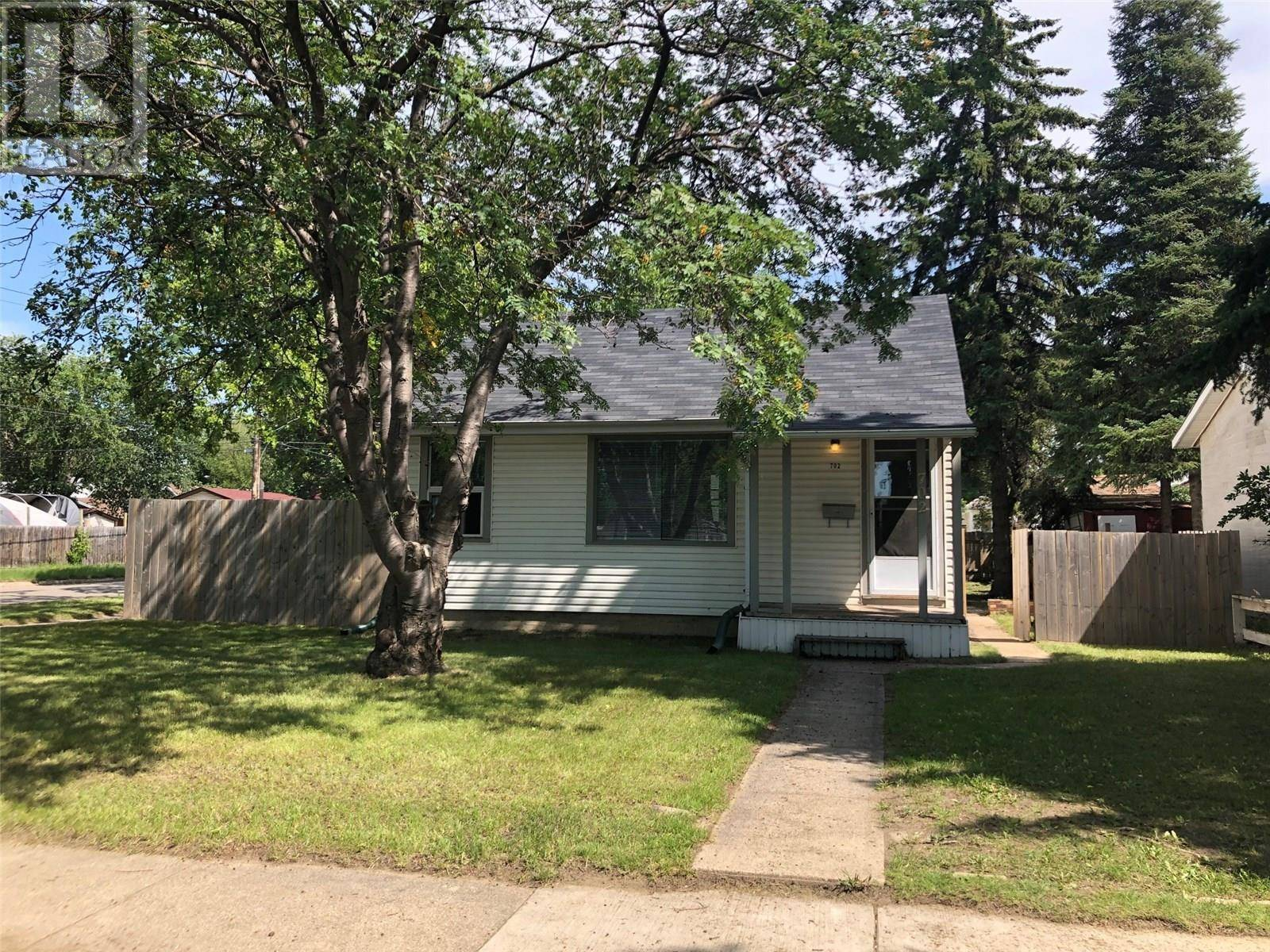 House for sale at 702 K Ave S Saskatoon Saskatchewan - MLS: SK783750