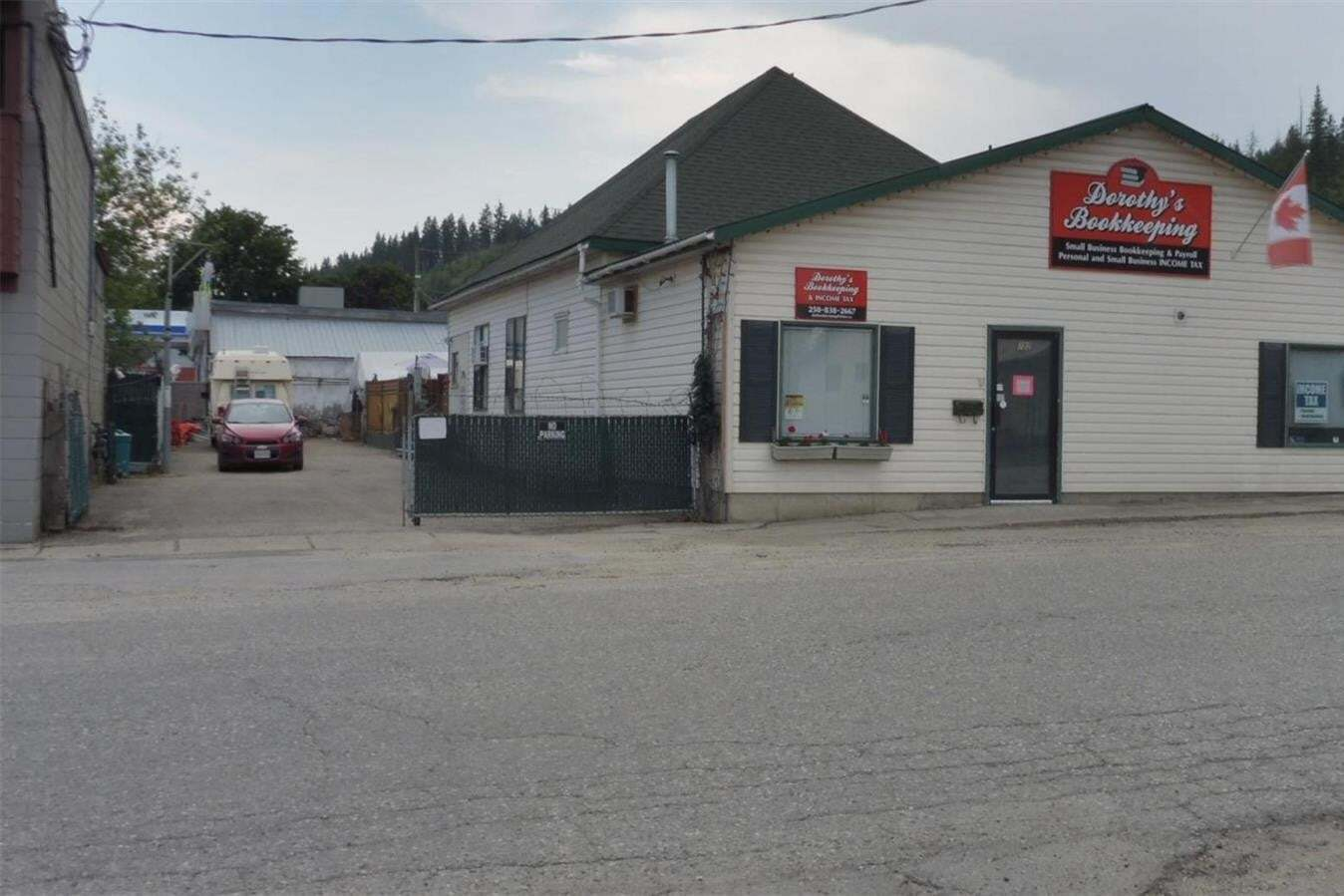 Commercial property for sale at 702 Russell Ave Enderby British Columbia - MLS: 10198008