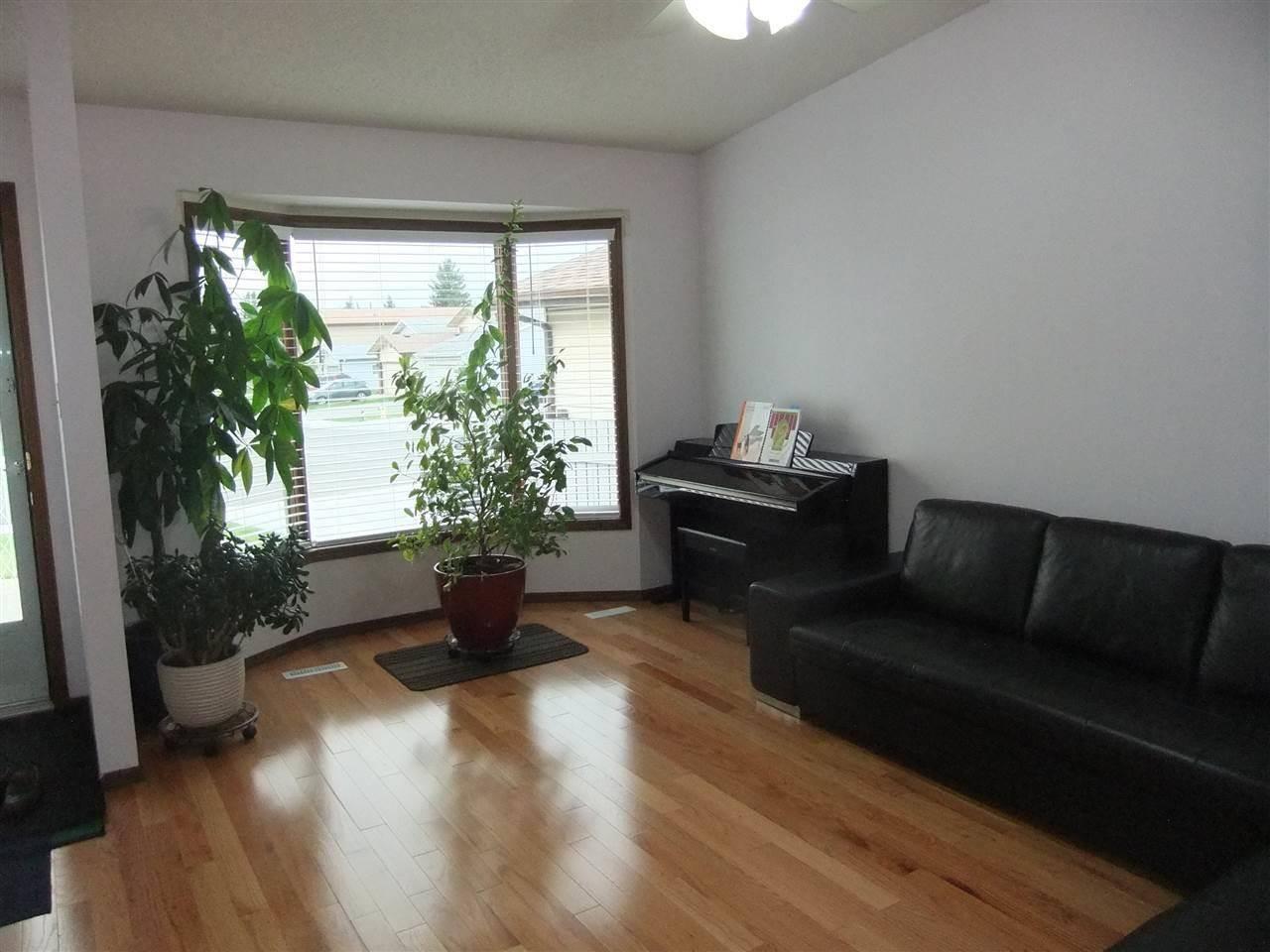 7020 - 152 C Avenue Nw, Edmonton | Image 2