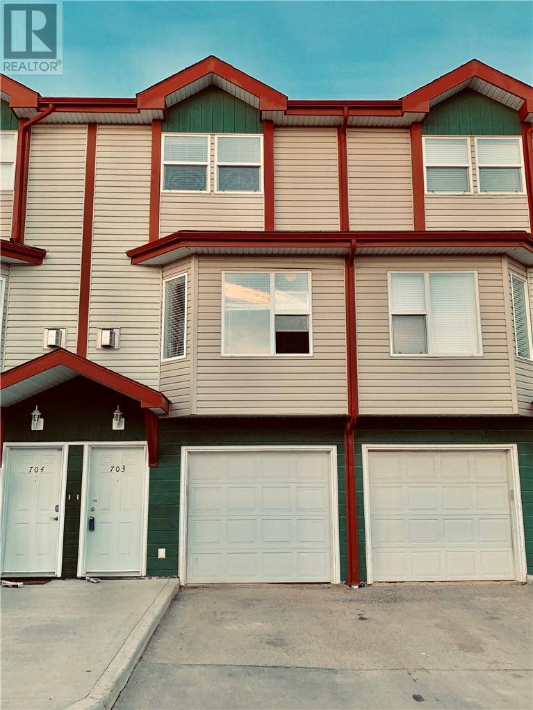 Townhouse for sale at 201 Arabian Dr Unit 703 Fort Mcmurray Alberta - MLS: fm0177300