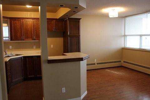 Condo for sale at 293 Mohawk Rd E Unit 703 Hamilton Ontario - MLS: H4069522