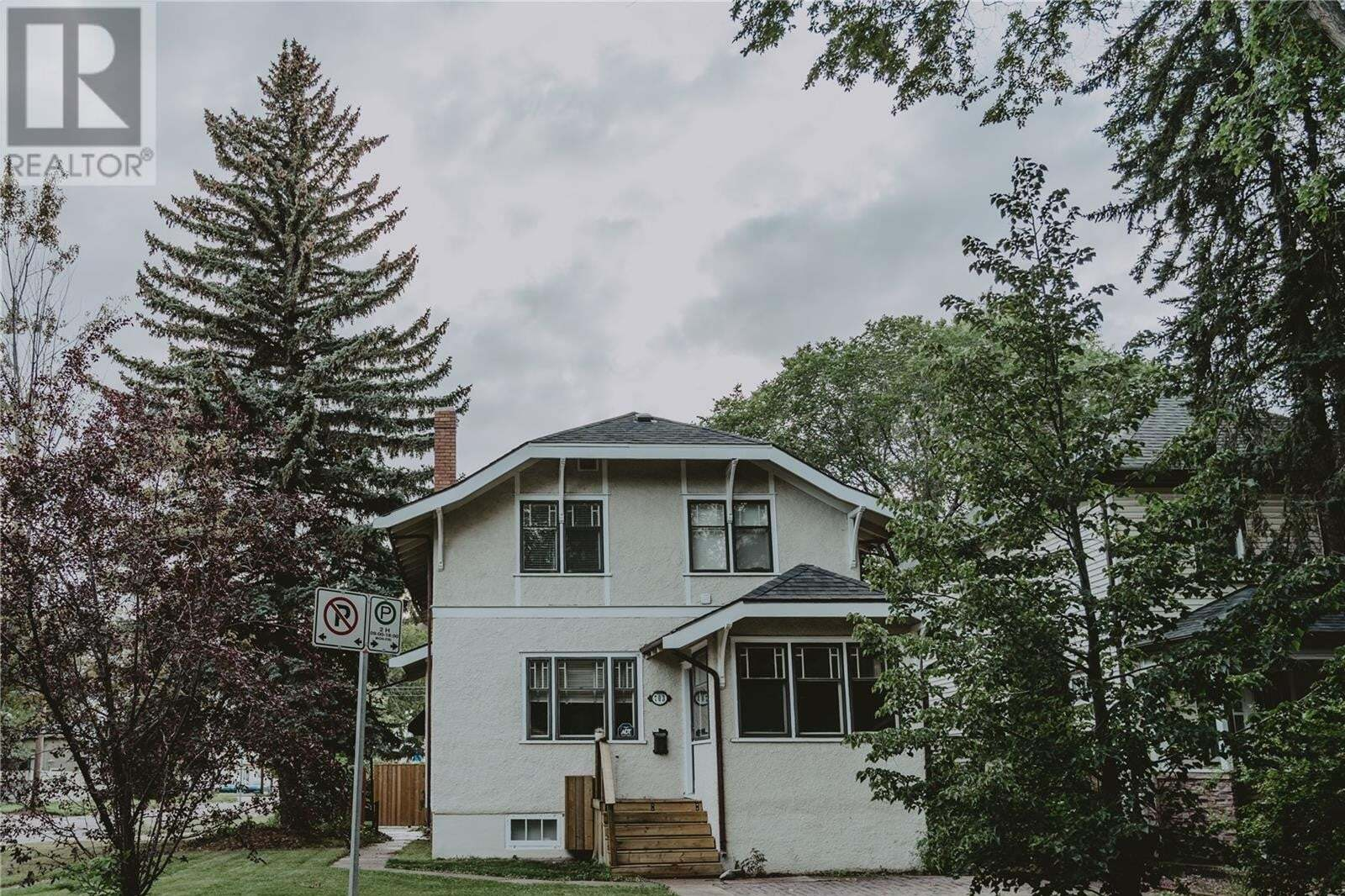 House for sale at 703 4th Ave N Saskatoon Saskatchewan - MLS: SK826683