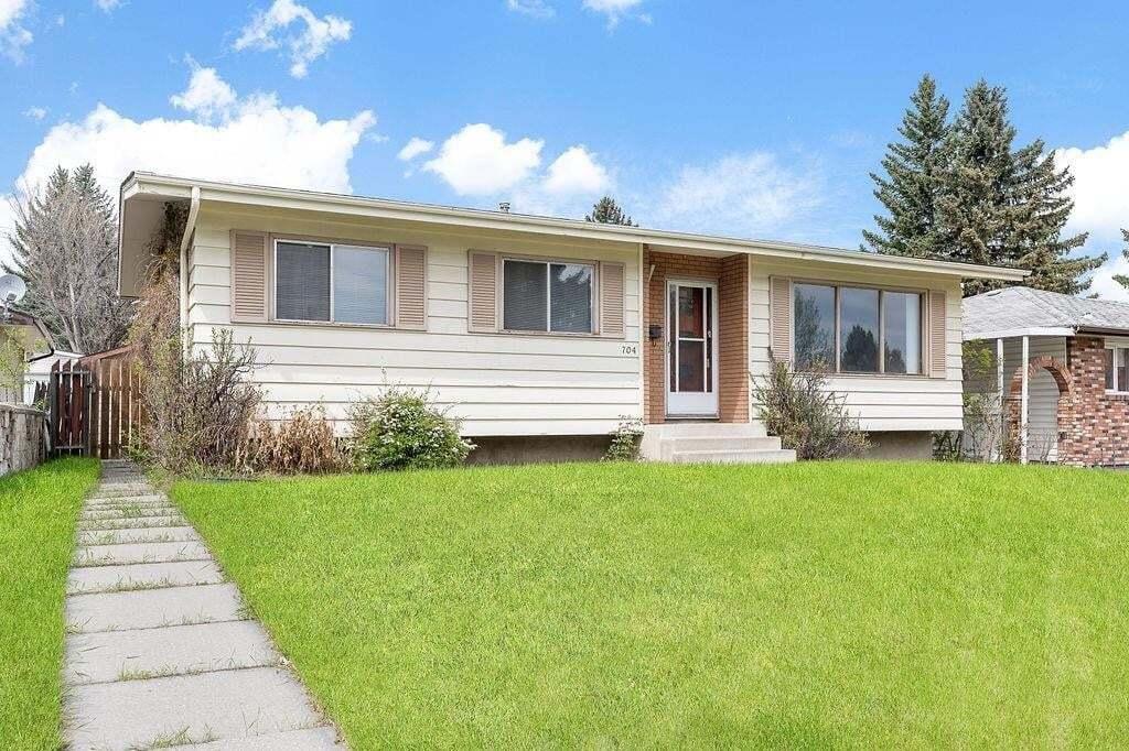 House for sale at 704 104 Av SW Southwood, Calgary Alberta - MLS: C4299469