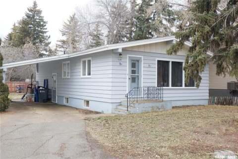 House for sale at 704 4th St E Assiniboia Saskatchewan - MLS: SK799775