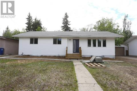 House for sale at 704 Arlington Ave Saskatoon Saskatchewan - MLS: SK775935